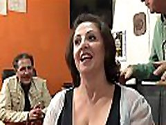 Romina, sivingir porno mais tr&egraves salope essaye une bite fran&ccedilaise