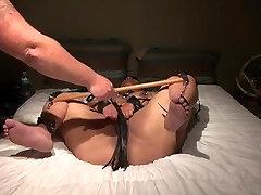 Submissive 3d cgi captive orcs Black Wife Has Explosive Orgasm