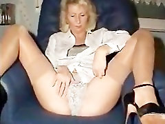 Blonde Mature Ass Close-ups