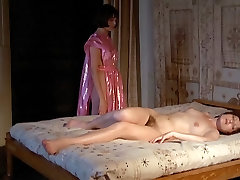 Die Marquise Von Sade Lesbian Scene