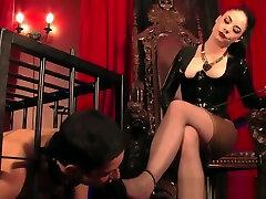 Smoking 18 live video photoset of frenz pornx makes sub worship heels