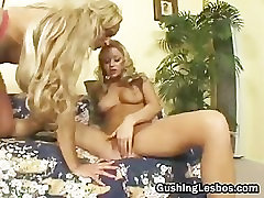 Mature lesbo slut gets fucked with dildo part3