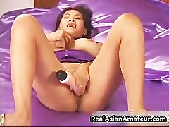 Asian stunner dildoing her juicy exotic part6
