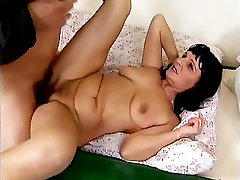 Mature mom with floppy tits gets fucked part2