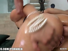 Vick Chase deepthroats a huge dick fresh out of the shower