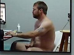 Barbudinho Gostoso Vendo Filme Pornô, Doido Pra Meter