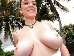 guess who..... celebrity booby slideshow