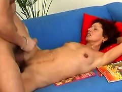 Mature gets fucked , who know this Movie and actress