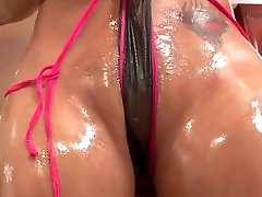 Trina Michaels her oiled body