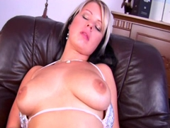big breaste MILF and her dildo