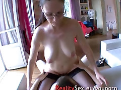 Sexy mature fuck with a stranger !! French amateur