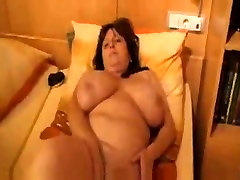 Fat wife giving her slit some love