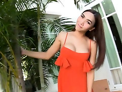 Ladyboy beauty outdoor garden ass showoff and blowjob