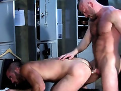 Muscular bear anal fucks