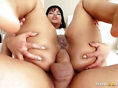 Big booty Rose Monroe oiled up and analled