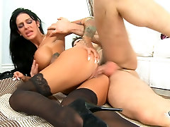 Tattooed brunette&039;s big tits bounce while she get fucked
