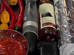 Pepperoni - Queensnake.com - QSBDSM.com