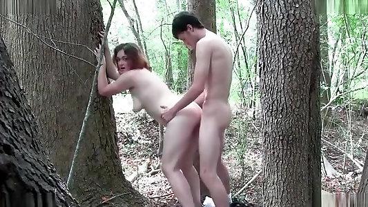 Жена На Природе Изменяет Порно